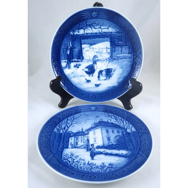 1969 1975 royal copenhagen blue white decorative christmas plates - Decorative Christmas Plates