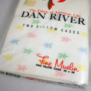Pair of 1960s Vintage Dan River Fine Muslin Pillowcase in Pastel Starburst - NIP