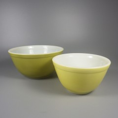 Vintage Pyrex Verde Mixing Bowl Set Yellow Green 401 402 Nesting Bowls
