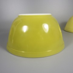 Vintage Pyrex Verde Mixing Bowl Set Yellow Green 401 402 Nesting Bowls