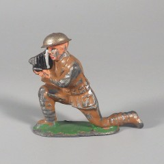 Vintage Barclay Lead Toy Soldier Cameraman Figure with Camera B101