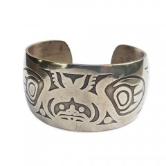 Vintage Tlingit Native American Raven and Fog Woman Silver Cuff Bracelet