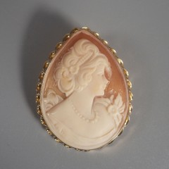 Vintage Italian Cameo Teardrop 14K Brooch Pin Pendant Lady With Pearls